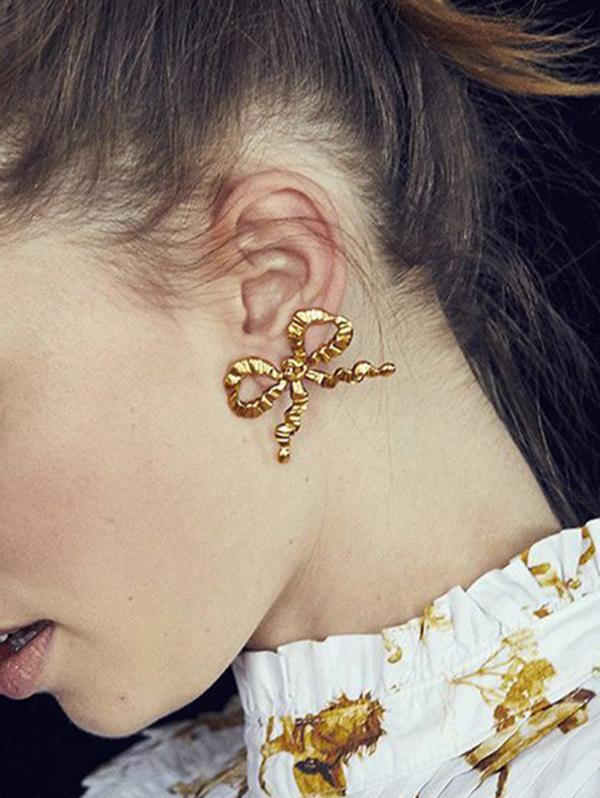 Crinkle Pattern Bowknot Shape Stud Earrings