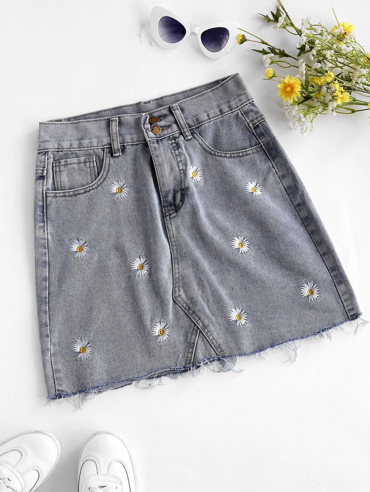 Frayed Hem Daisy Embroidered Denim Skirt