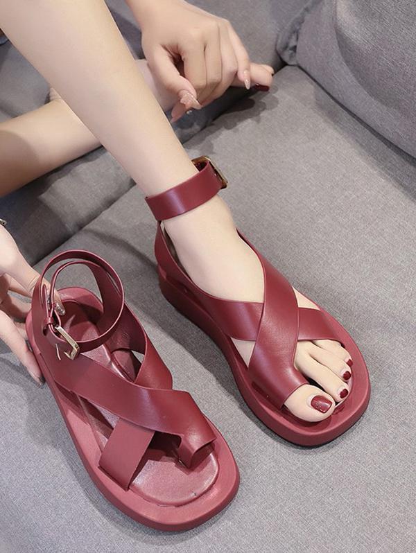 Toe Loop Cross Strap Platform Sandals