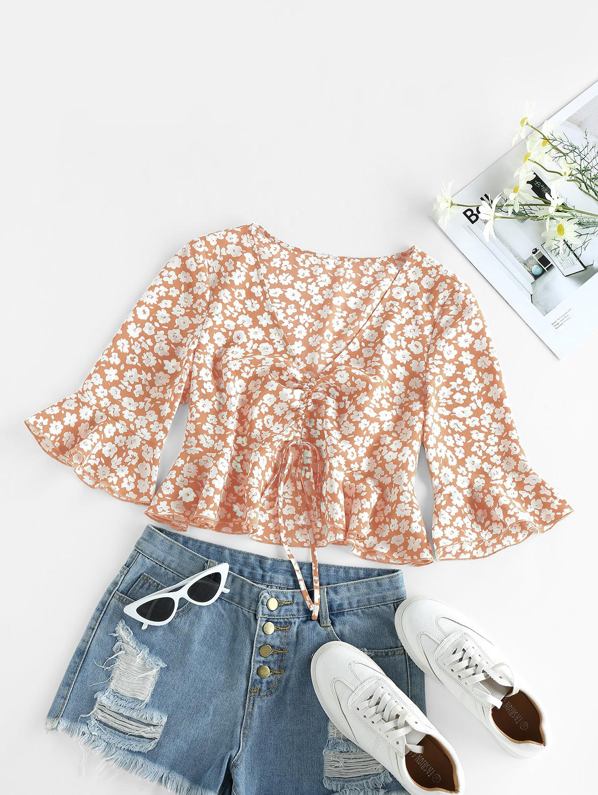 ZAFUL Cinched Ditsy Print Bell Sleeve Blouse