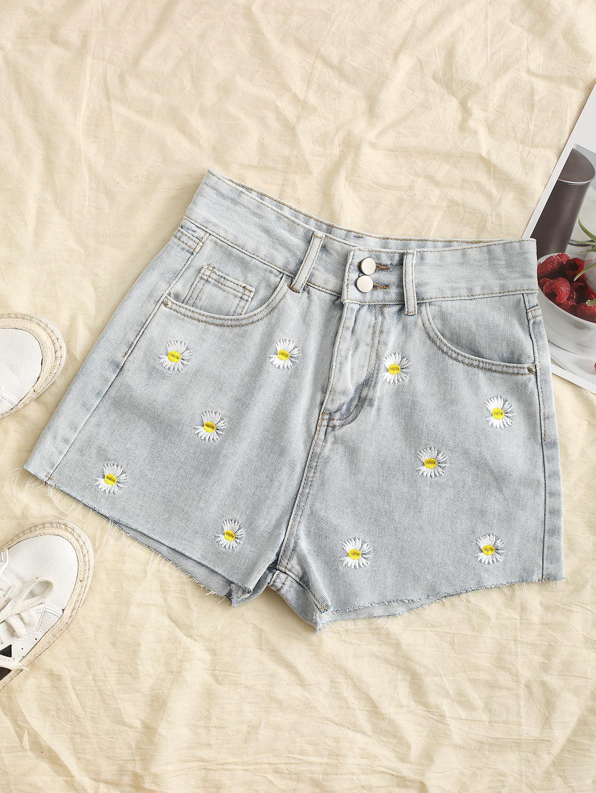 Frayed Hem Daisy Embroidered Denim Shorts