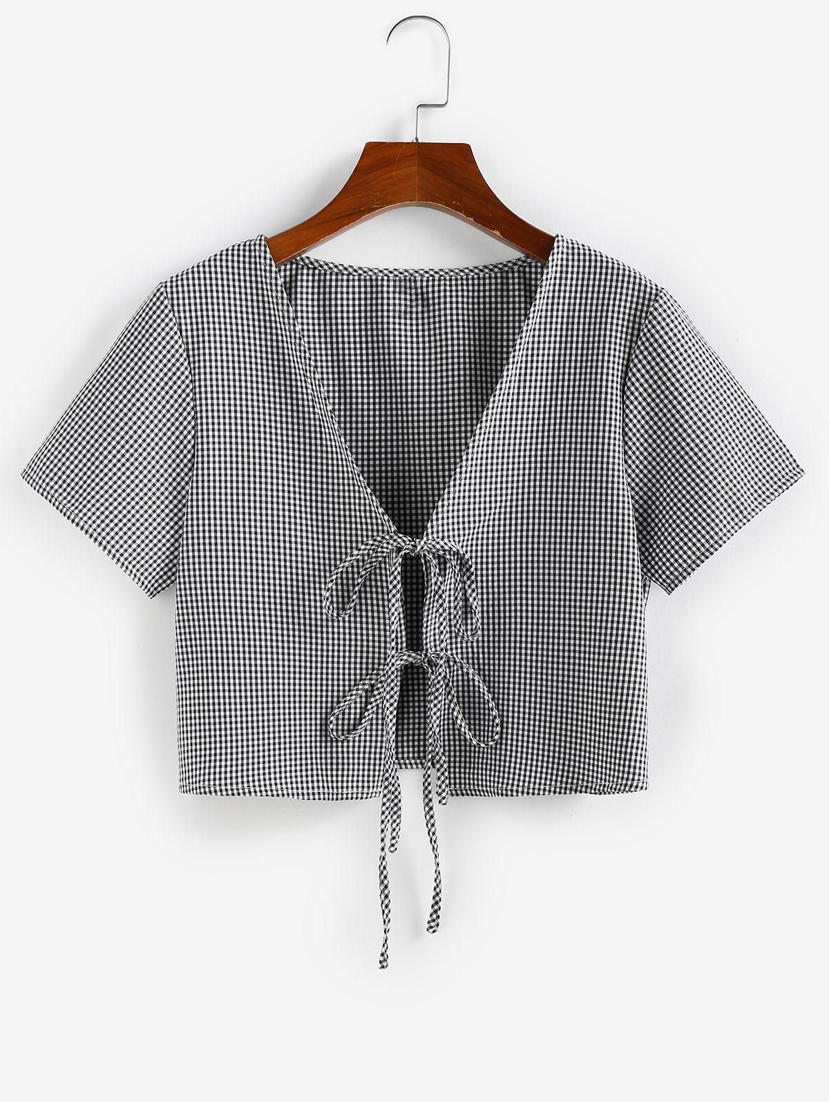 ZAFUL Gingham Tie Front Plunging Blouse