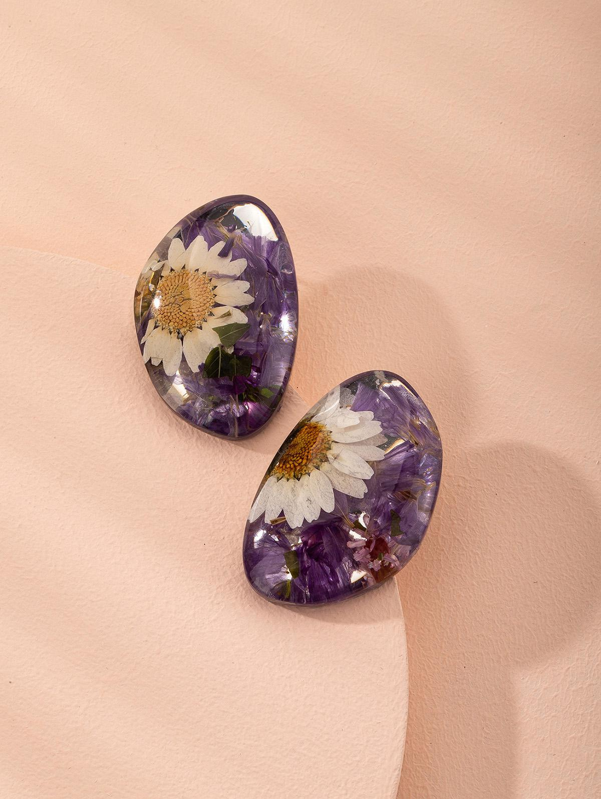 Dried Flower Resin Stud Earrings