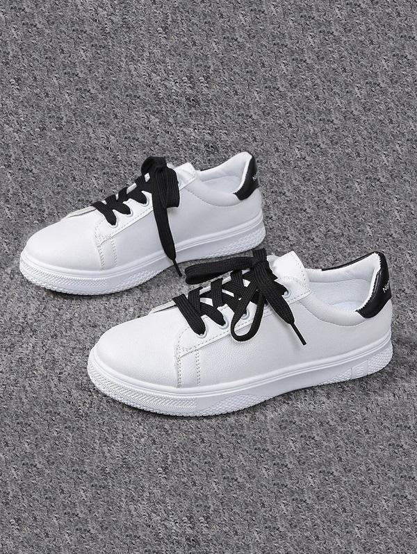 Lace-up Flat Sports Shoes