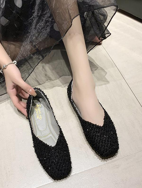 Square Toe Textured Slip On Flat Shoes