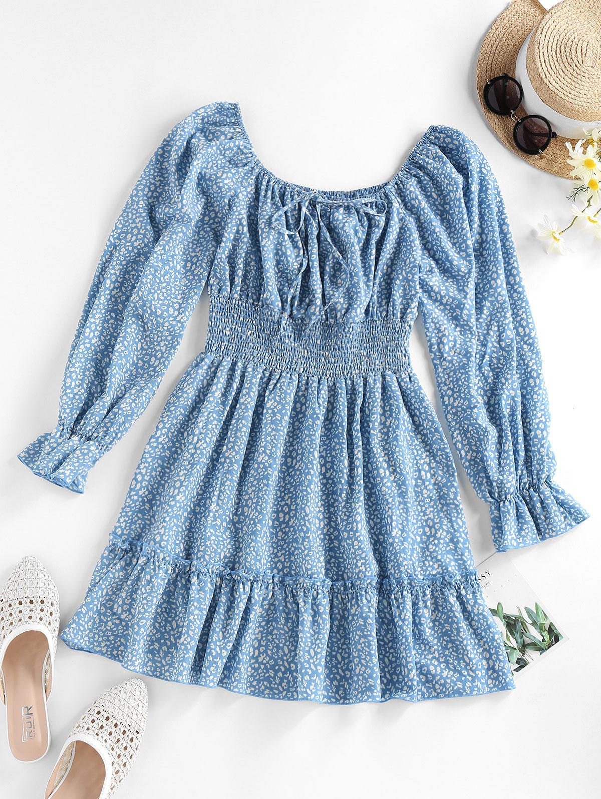 ZAFUL Printed Raglan Sleeve Smocked Mini Dress