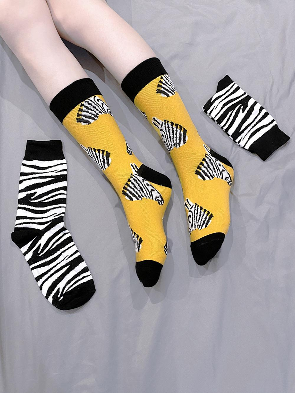 2 Pairs Zebra Stripe Pattern Socks Set