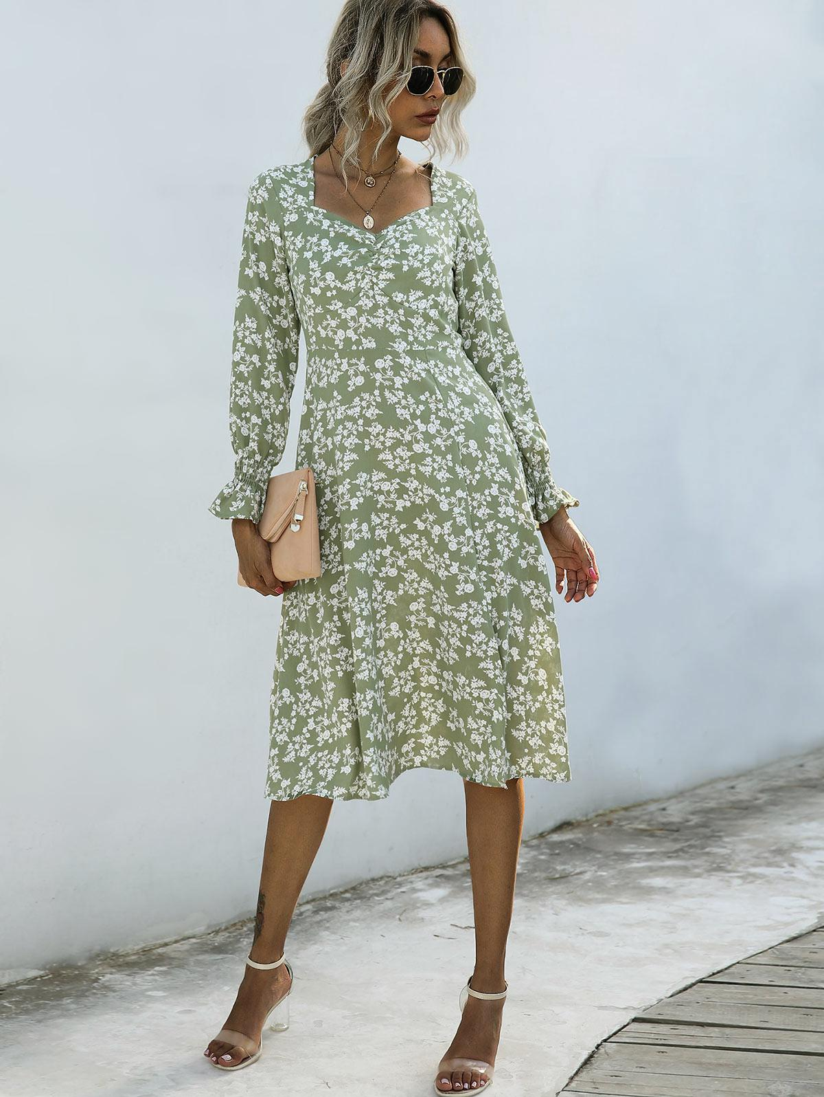 Sweetheart Neck Ditsy Print Poet Sleeve Dress