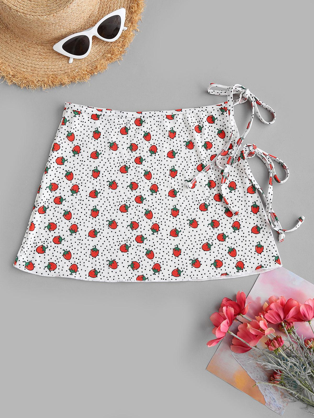 ZAFUL Strawberry Polka Dot Ribbed Wrap Swim Skirt