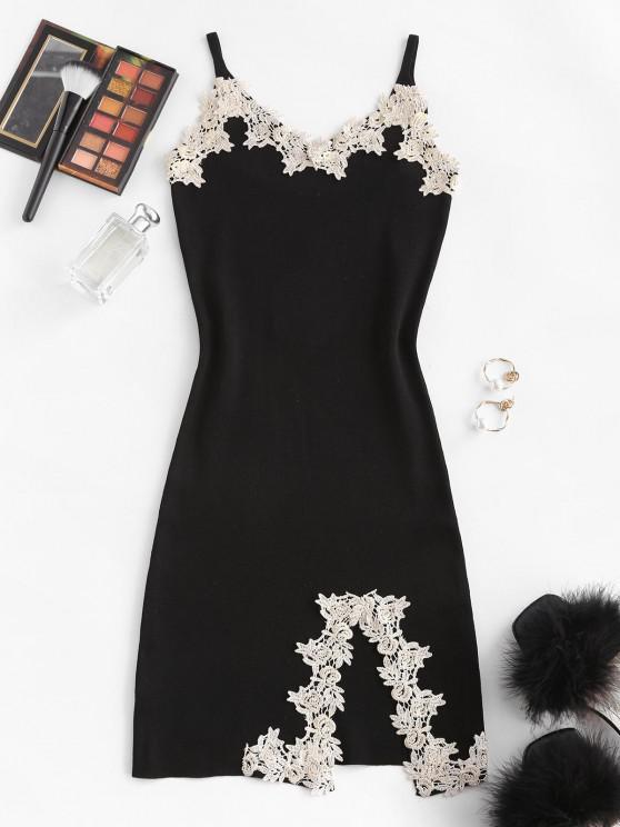 Flower Applique Knitted Slit Bodycon Mini Dress - أسود حجم واحد