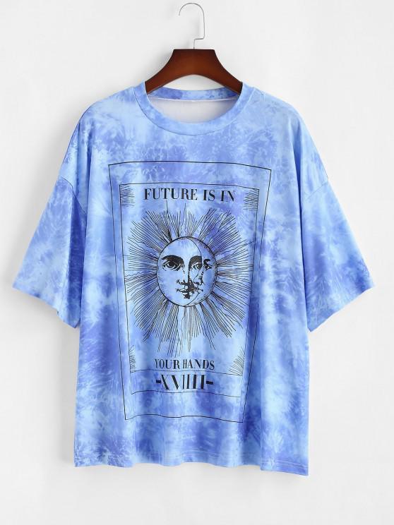 ZAFUL Plus Size Astrology Tie Dye Sun Print Tee - أزرق 2XL