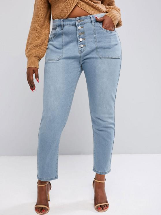 Plus Size Button Fly Patch Pocket Jeans - أزرق فاتح L