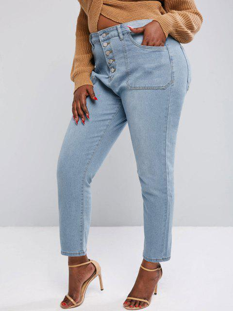 Plus Size Button Fly Patch Pocket Jeans - أزرق فاتح 2XL Mobile