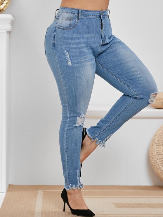 Plus Size Ripped Frayed Hem High Rise Jeans - أزرق فاتح L