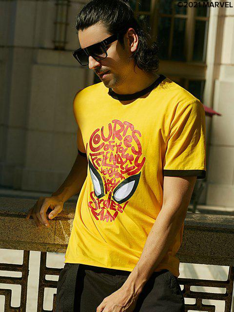 latest Marvel  Spider-Man Mask Graphic Ringer T Shirt - YELLOW M Mobile