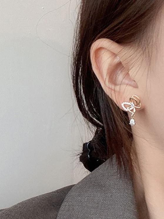 Hollow Out Butterfly Rhinestone Stud Earrings - ذهبي