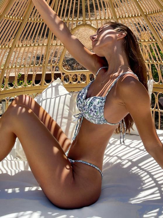Brit Manuela x ZAFUL Plant Print Ribbed Cinched String Bikini Swimwear - أبيض S