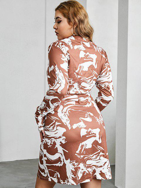 outfit ZAFUL Ruched Abstract Marble Print Plus Size Shirt Dress - DEEP COFFEE 2XL Mobile