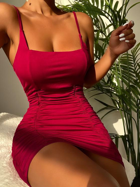 outfit ZAFUL Ruched Bodycon Short Slip Dress - DEEP RED S