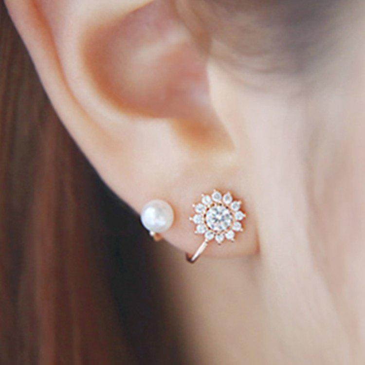 New Women Fashion Sweet Snowflake Snow Flower Ear Stud Earrings Faux Pearl Earrings Jewelry